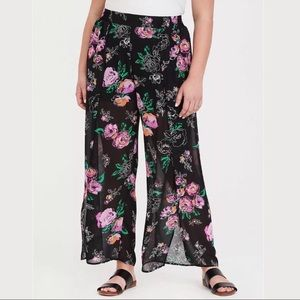 0 Torrid Chiffon Side Slit Wide Leg Floral Pants